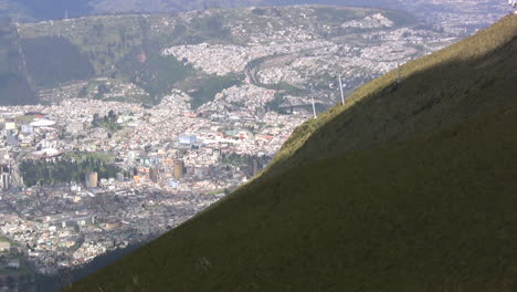 Quito-from-mountain