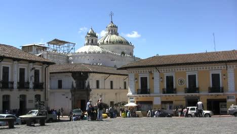 Quito-church-and-plaza