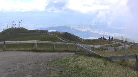 Parque-Quito-En-La-Montaña
