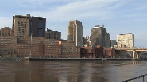 St-Paul-skyline-across-Mississippi