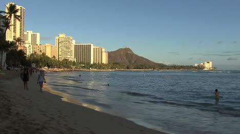 Waikiki-and-Diamond-Head