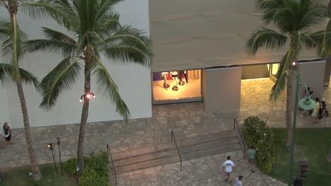 Waikiki-looking-down-at-shops
