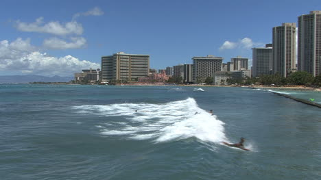 Waikiki-surfers-and-hotels