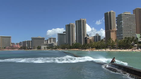 Waikiki-wave-on-breakwater