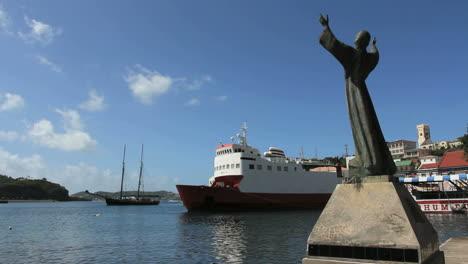 Grenada-St-George-s-statue