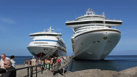 Two-different-sized-cruise-ships