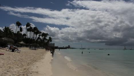 Beach-sea-and-cloud-in-Aruba