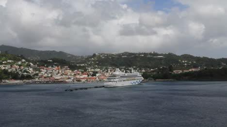 Grenada-with-cruise-ship