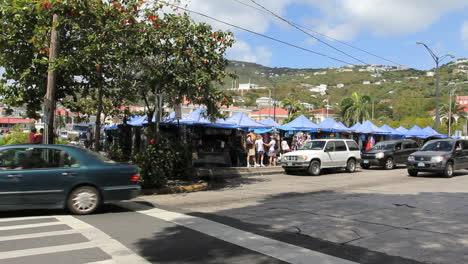 Charlotte-Amalie-traffic-by-a-market