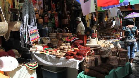 Dominico-market-in-Roseau