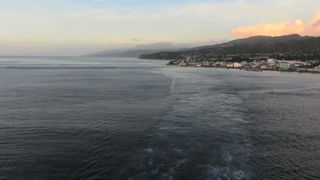 Dominica-behind-a-ship-s-wake