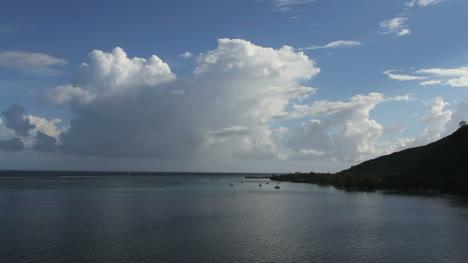Moorea-cloud-at-Opunohu-Bay-entrance