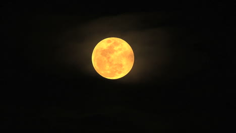 Full-moon-in-the-night-sky