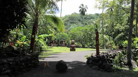 Tahiti-entrance-to-the-Atahurahu-Marae