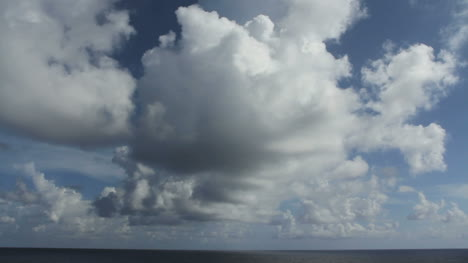 Cloud-dramatic-cumulus-over-ocean