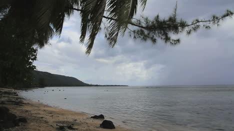 Tahiti-Nui-beach-with-rain