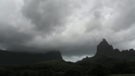 Dark-clouds-move-across-mountains