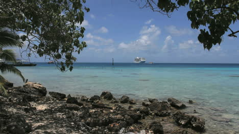 Distant-cruise-ship-in-a-Rangiroa-lagoon