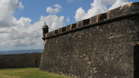 El-Morro-fortress-wall-in-San-Juan