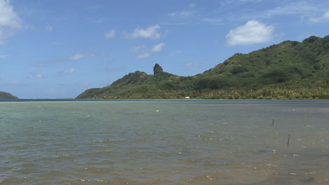 Huahine-zooms-to-mystic-rock