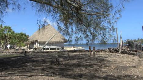 Huahine-pans-to-sacred-site