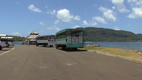 Huahine-tourist-busses