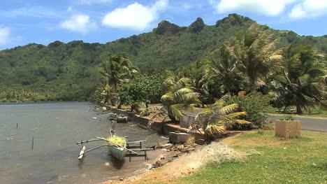 Huahine-canoe-by-shore-2