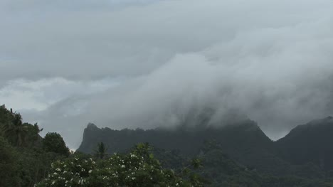 Nubes-Timelapse-Moorea