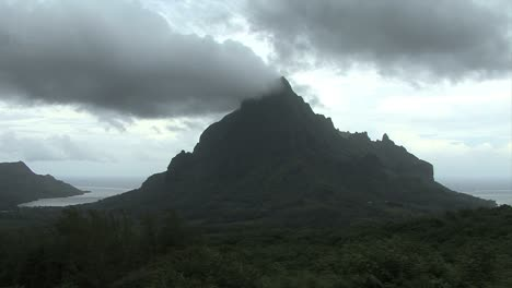 Moorea-time-lapse-clouds-8