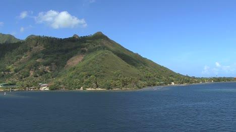 Moorea-Entrando-En-La-Bahía-3