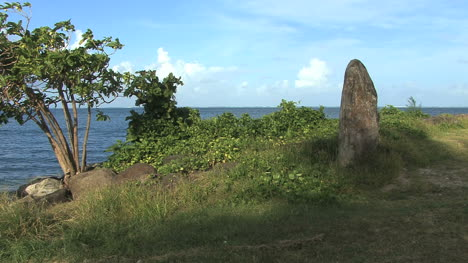 Raiatea-standing-stone-by-sea