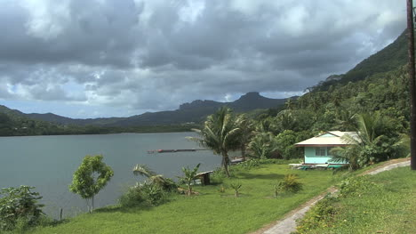 Raiatea-house-by-longest-river