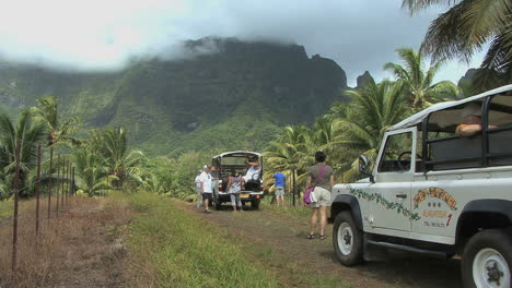 Raiatea-jeep-trip