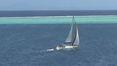 Raiatea-sailboat-inside-the-reef-5