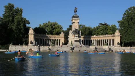 Madrid-boats-on-park-lake-3