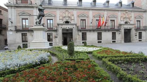Madrid-Plaza-de-la-Villa-2
