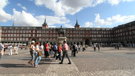 Madrid-Plaza-Mayor-with-clouds-3