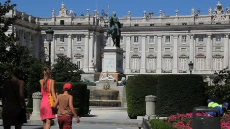 Madrid-royal-palace-12