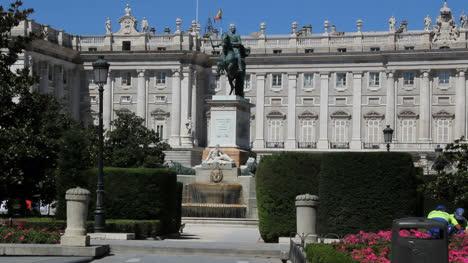 Madrid-royal-palace-2