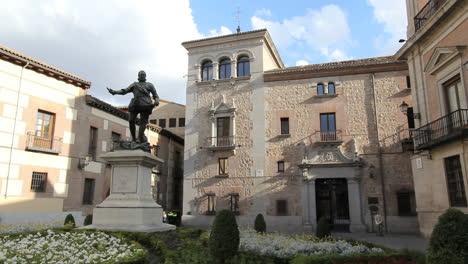Madrid-Plaza-de-la-Villa-6