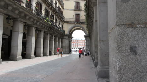 Madrid-entry-to-Plaza-Major-1