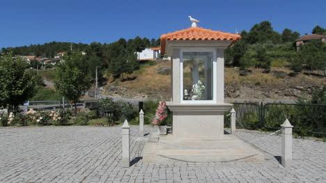 Shrine-to-Virgin