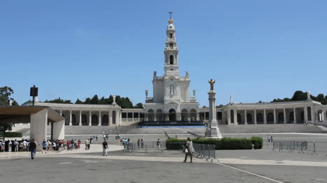 Fatima-church-with-statue-and-pilgrims