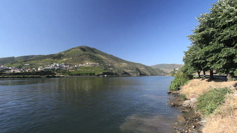 Scene-on-Douro-River