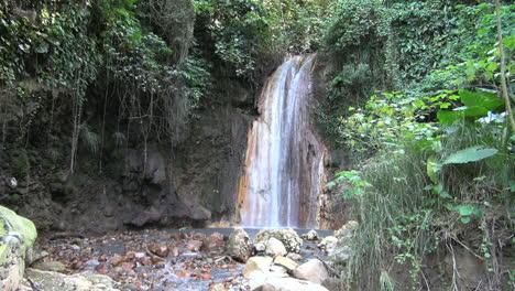 St-Lucia-Diamond-falls-with-vegetation