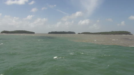 Devil-s-Island-meeting-of-water