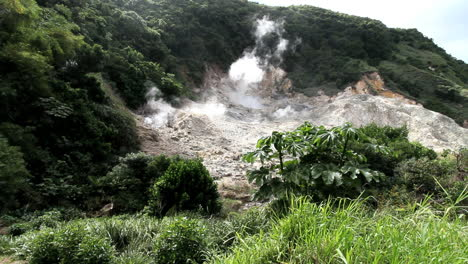 St-Lucia-Sulpher-Springs-with-steam