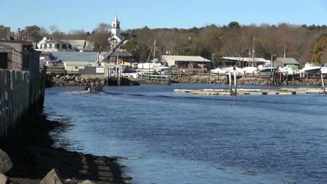Massachusetts-Essex-Town-View-Con-Barco-Sx