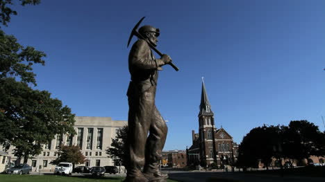 Estatua-Del-Minero-De-Illinois-Springfield