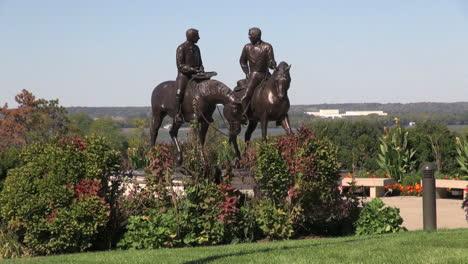 Illinois-Nauvoo-Joseph-Smith-and-brother-horseback-statue